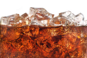 Soda in a glass of ice